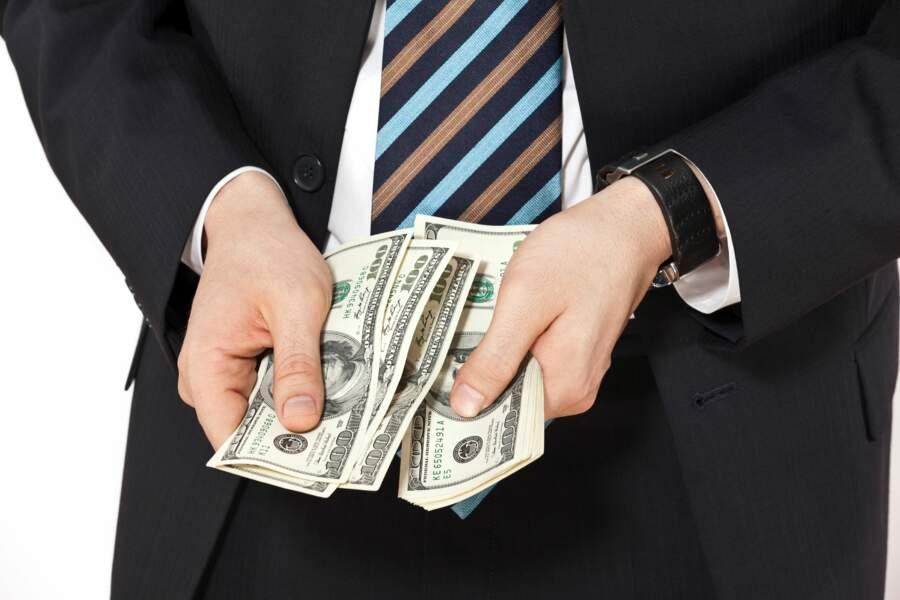En janvier : une partie des bonus et primes de fin d'année est investie sur l'or