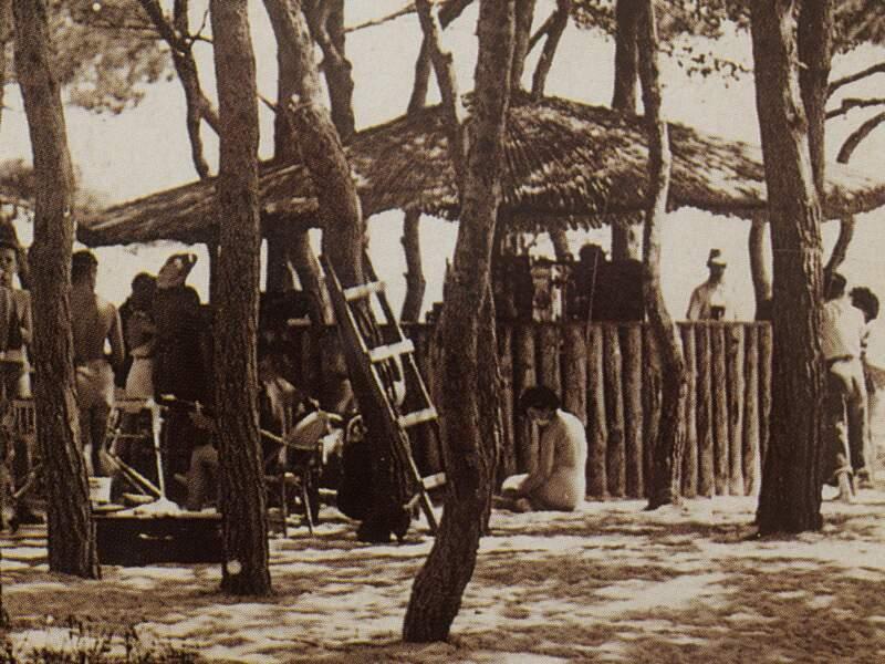 Un village de 200 tentes provenant des surplus de l'armée