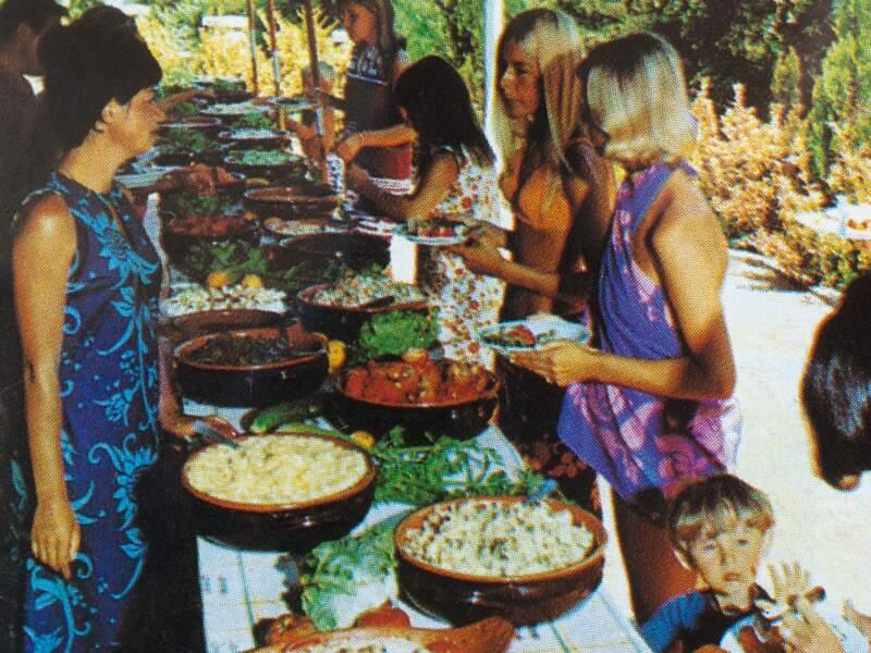 1965 : Les buffets font leur apparition