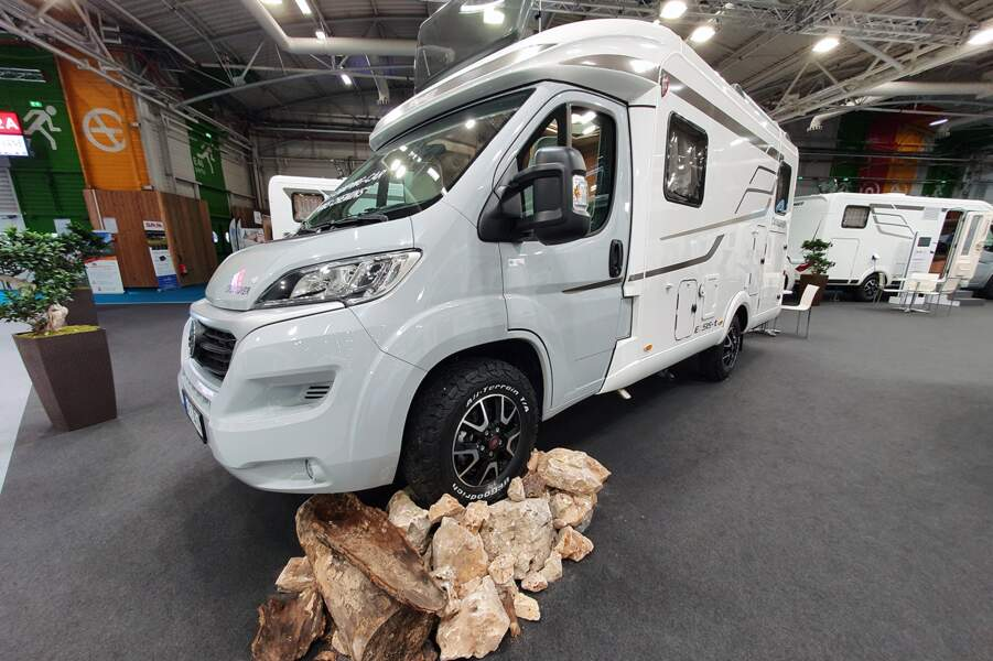 """Hymer Exsis-t 474 """"Crossover"""""""