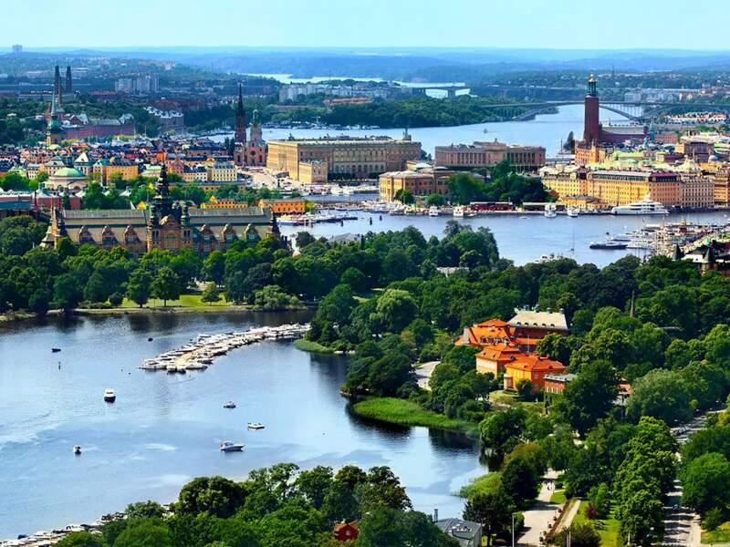 Le modèle économique suédois est remis en cause et le pays tombe en récession