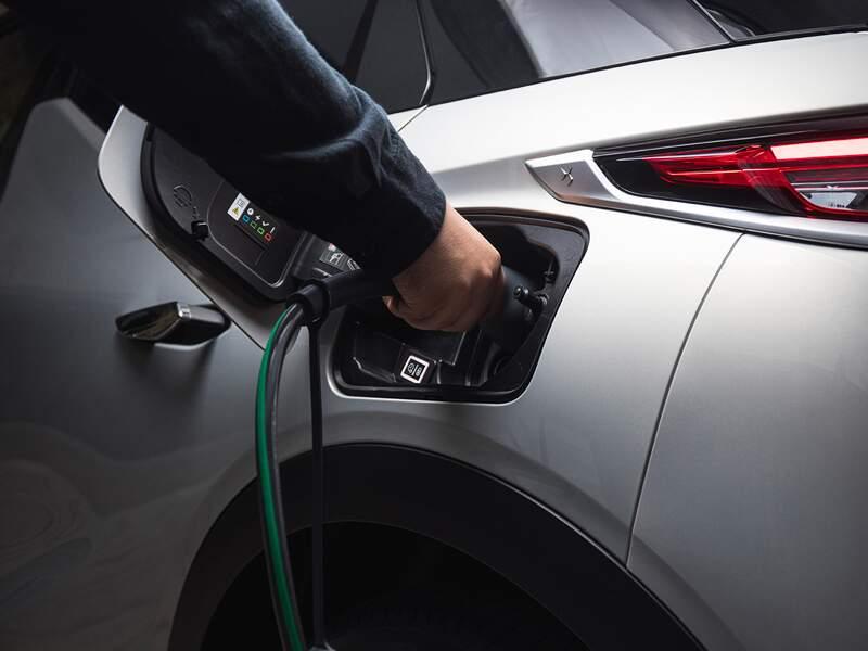 6 supercars électriques ou hybrides aux performances hors norme