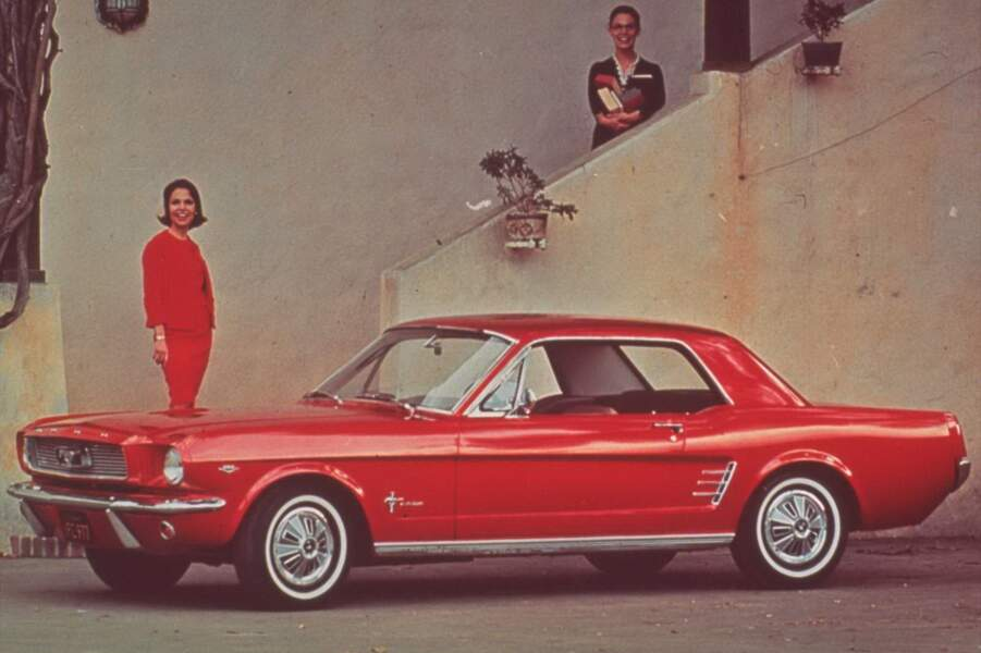 3 - FORD MUSTANG