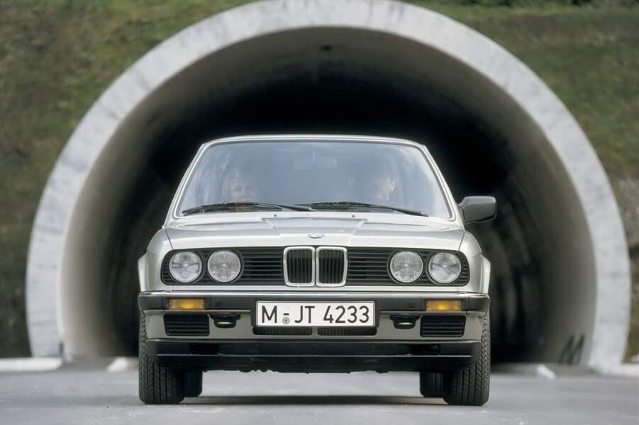 8 - BMW SERIE 3